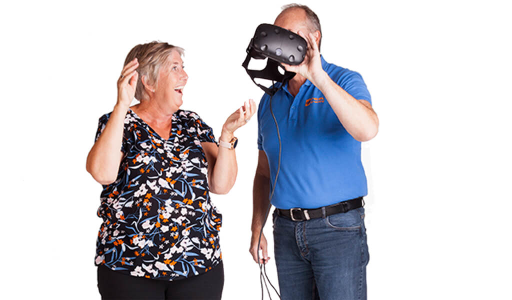 To personer med Virtual Reality briller